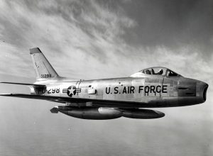F-86H_Sabre_in_flight_1950s-1
